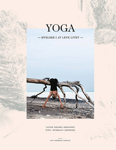 Yoga - øvelser i at leve livet fra N/A på bog & mystik