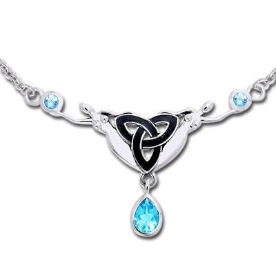 N/A – Halskæde med triquetra - treenighedssymbolet og blå topas fra bog & mystik